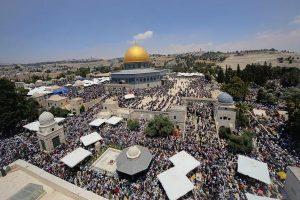 Sholat Jum'at di Masjid Al-Aqsa